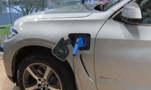 BMW X5PHVの発売日と価格は?燃費は33.3km/L!?